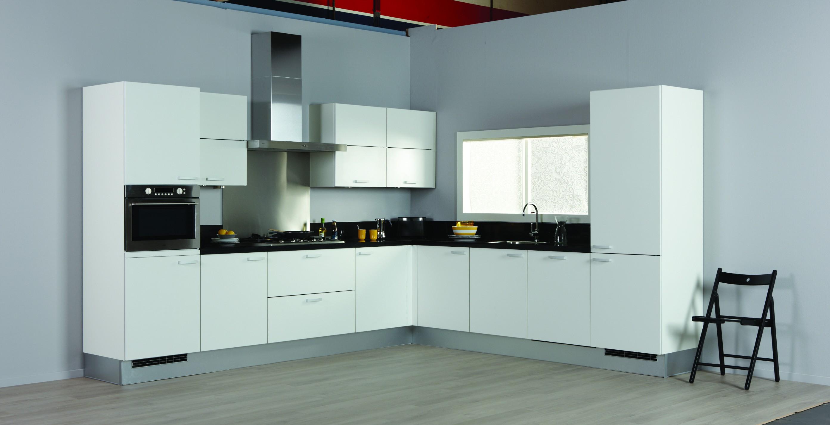 Witte Keuken Design : Witte keuken voor een frisse en ruimtelijke uitstraling